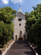 Kostel sv. Jiří v Bořitově - na schodech bych chtěla společnou fotku...