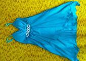 Tyrkysové šaty, 40