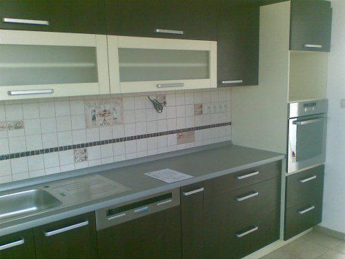 Náš prvý byt - konečne máme hotovú kuchynku, ešte chýba mikrovlnka