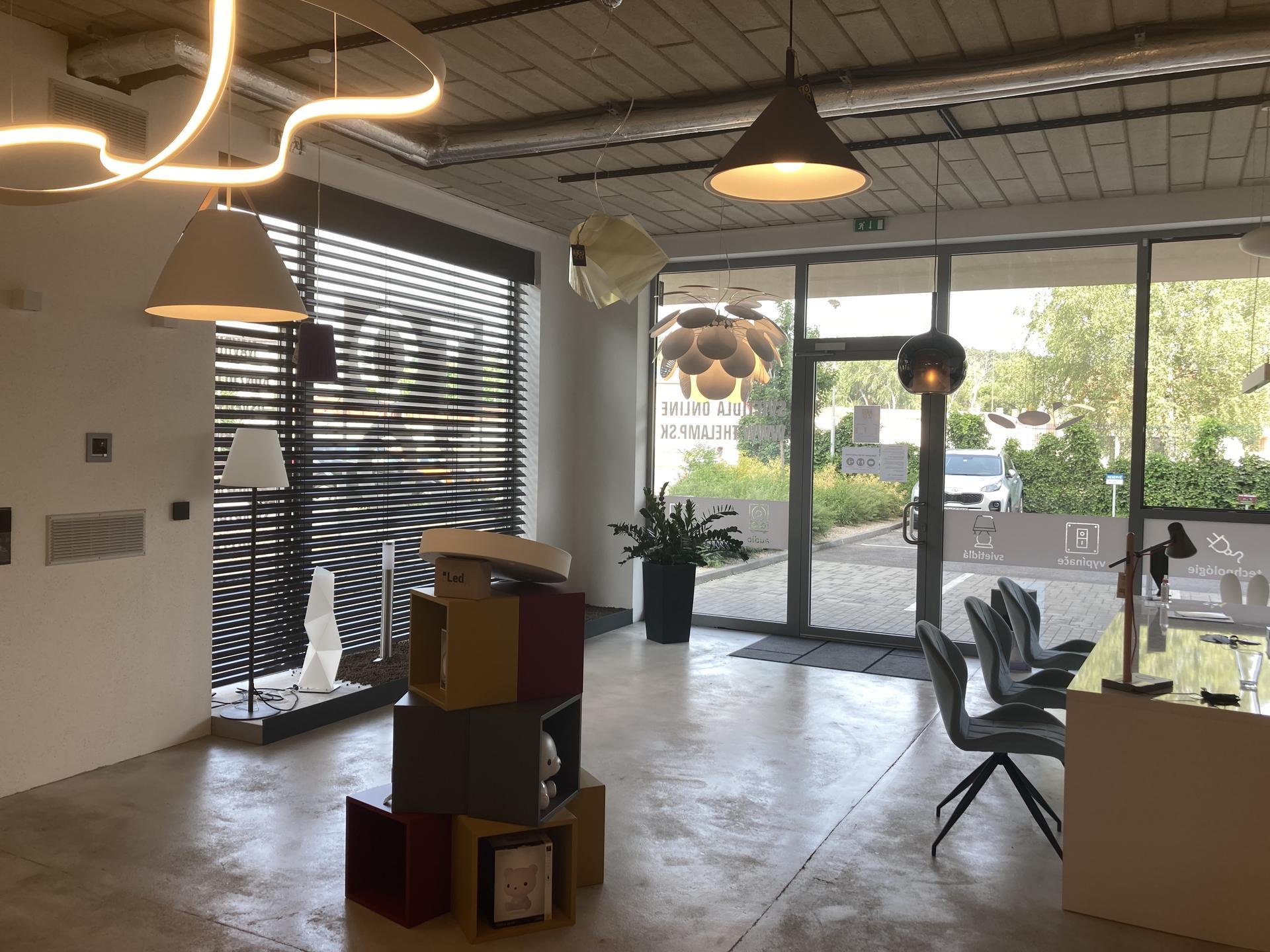 TOZO Gallery - showroom svietidiel a smart home LOXONE - Obrázok č. 2