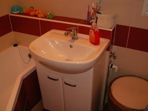 V mieste kde je prádelný kôš bude raz pračka, zatiaľ je v kuchyni
