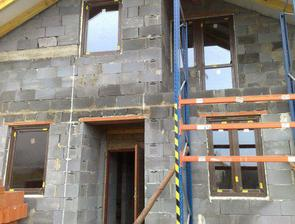 okná už sú nahodené