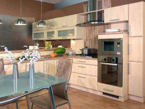naša vytúžená kuchyňa Leandra od Decodomu, odtieň javor horsky. Ešte že máme v rodine šikovného stolára, ktorý nám ju vyrobí na mieru :-) už na nej pracuje