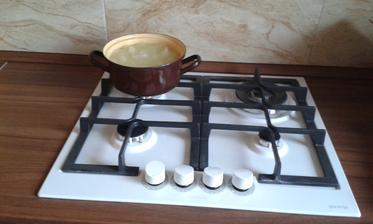 prvé varenie v novej kuchyni 😊😊😊