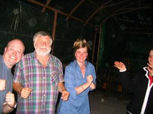tančili všichni (dobrovolně nebo pod nátlakem..)