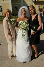 s maminkou a svědkyní