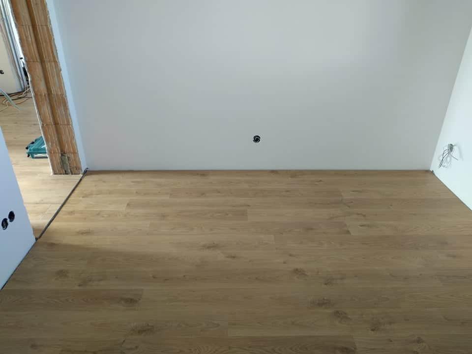Zabydlujeme, pomalu ale jistě :) - Quick step, laminat, řada eligna, vzor 1491