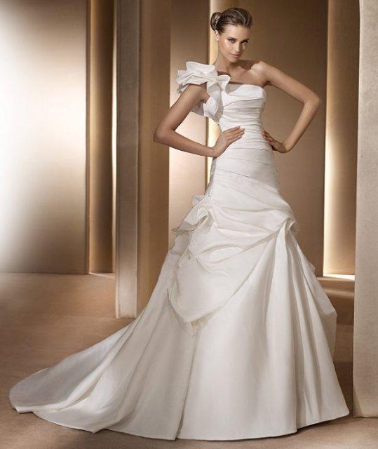 Wedding dresses - Pronovias - Alora