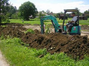 vykopove prace zacinaju