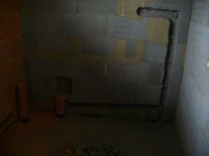 ...tu bude sprcha a vedla WC...
