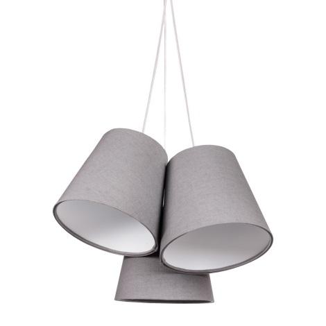 Světla - jak je rozmístit, a hlavně jaká? Aktuálně je stropní v obývací části a lustr v kuchyni. Ani jedno se moc nepoužívá, nejvíc svítím led páskem pod linkou a lampou u gauče. Určitě chci světlo přímo nad stůl, představu mám viz. foto. Tím pádem asi zrušit ten druhý lustr ( ten, co je tam teď ) ? A obývák - nynější světlo je situované do středu místnosti, nechat nebo přemístit spíš nad gauč? Ale hlavně, jaké dát? Líbí se mi že stejné řady jako to nad stůl, ale ty kruhy mají rozměr 50-40-30 cm, a nevím, jestli to na místnost 8x3.2 metru není moc.. - Obrázek č. 3