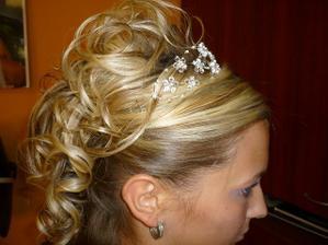 Takle budu mít vlasy ... 2 .zkouška svatebního účesu ... a konečně spokojnáá :)