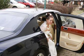 Nevěsta vystupuje v Čertousech - foto Martin Rabovský