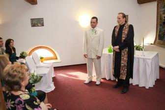 Čeká se na příchod nevěsty - foto Martin Rabovský