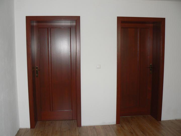 Nas domcek - nove dvere
