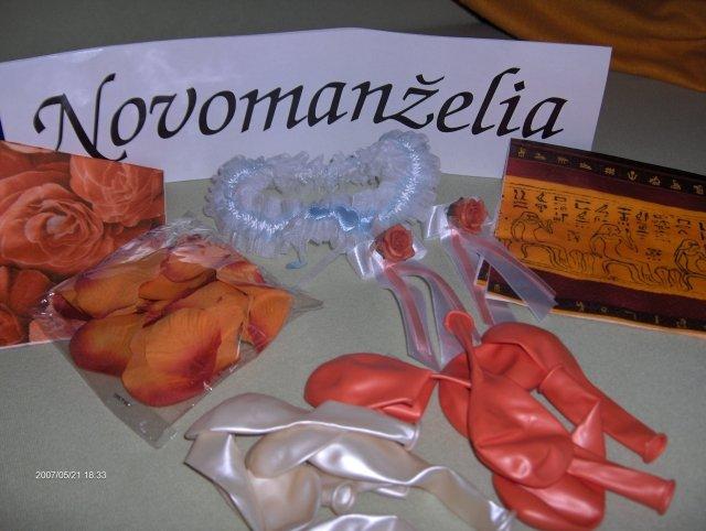 Predsvadobná príprava - Už mi prišli ďalšie drobnosti na našu svadbu, ako...SPZ, servítky, balóny, držiaky na servítky a môj sexi podväzok.
