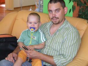 Moji dvaja najdrahší pokladíkovia. Môj syn Matúško a budúci manžel Marek. Ale sú to fešáci, že?