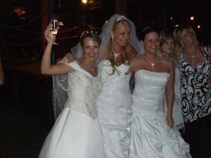 a takto sme sa našli...3 nevesty. Vraj ich tam bolo 10...pekne.