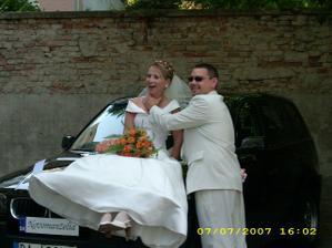 Takto ma môj UŽ manžel škrtil na našom svadobnom aute...
