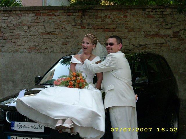 Katka{{_AND_}}Marek Staňovci - Takto ma môj UŽ manžel škrtil na našom svadobnom aute...