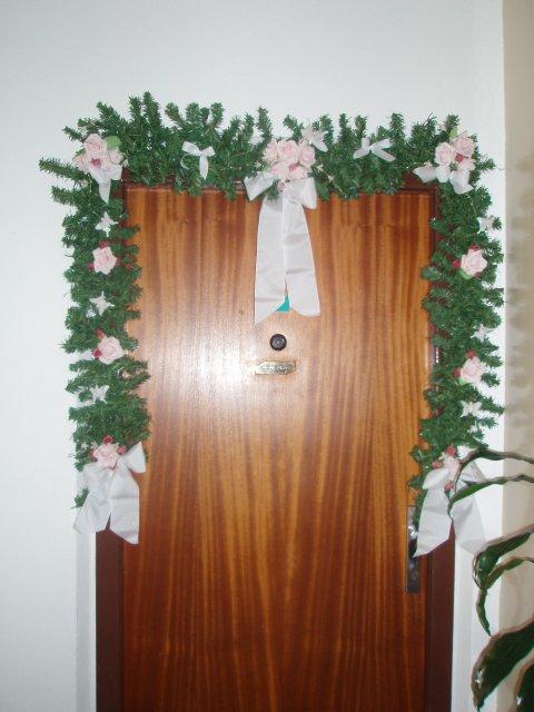 Zuzka a Lubino - výzdoba na vchodových dverách