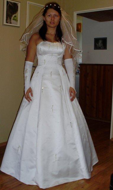 Vše do 7.8.2009 - zkouška účesu a šatů