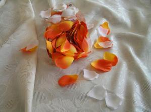 mám plátky růží