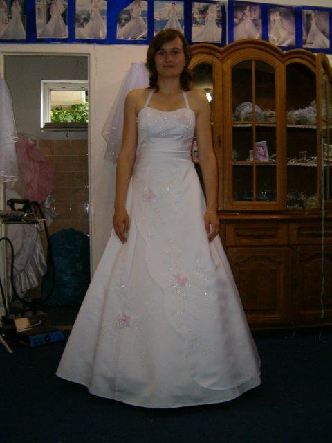 Pripravy na den D - To su moje svadobne.........musela som vybrat nieco jednoduche, aby sa pacili drahemu...:-)