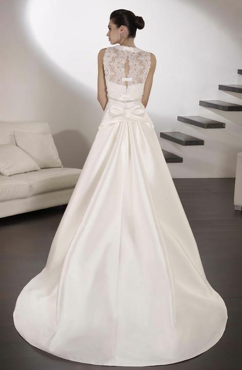Svatební šaty Villais Espaňa - Model Negus pohled zezadu