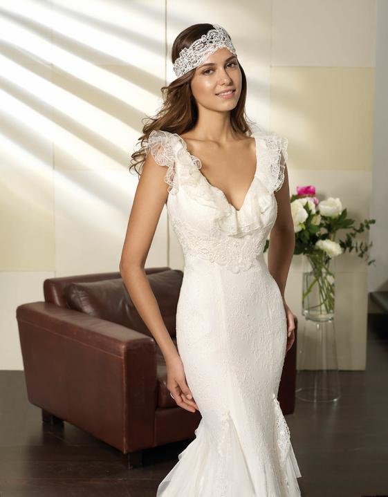 Svatební šaty Villais Espaňa - model Otoňo detail