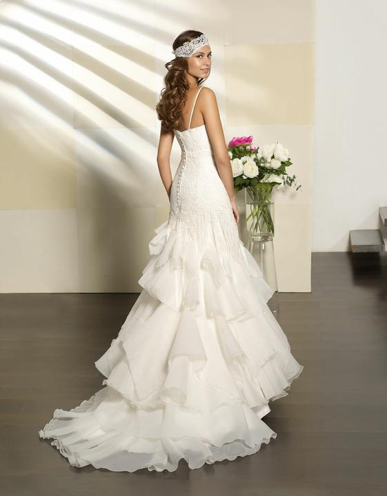 Svatební šaty Villais Espaňa - model Paris zezadu