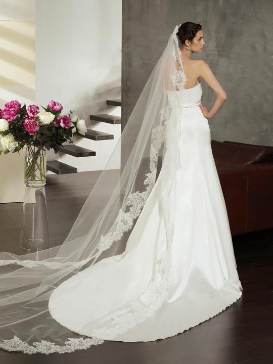 Svatební šaty Villais Espaňa - model Perla zezadu