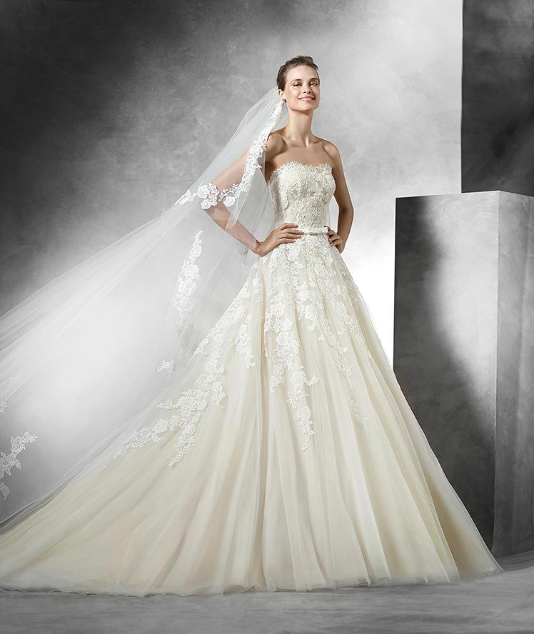 Nové šaty Pronovias v našich salonech - Obrázek č. 1