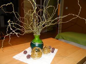 toto som natrhala na dedine, dala do vázy s vodou a snáď z toho bude aj niečo pekné