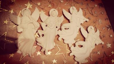 anjeli z hliny ...vyrába ujko ...