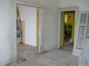 ako vidno zadné izby sú už po prerábke a v tých sa bývalo :-)