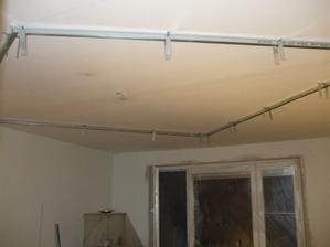 sádrokartónový strop v obývačke