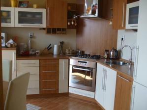 moja kuchyňa - kombinácia jelša -vanilka a nerez