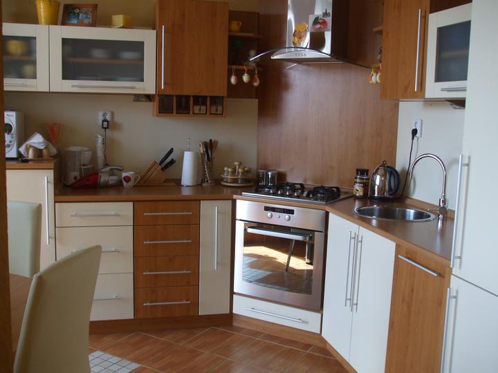 Nas farebny bytik - moja kuchyňa - kombinácia jelša -vanilka a nerez