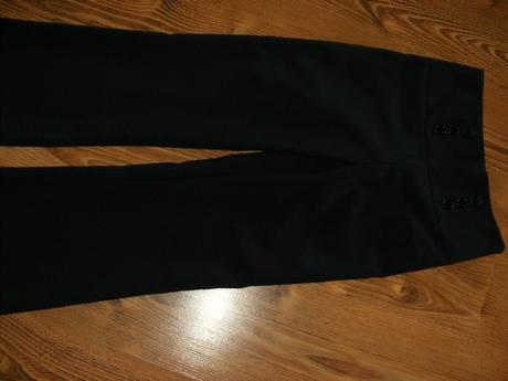 Nenosené tmavomodré nohavice na 9-10 r.  - Obrázok č. 1