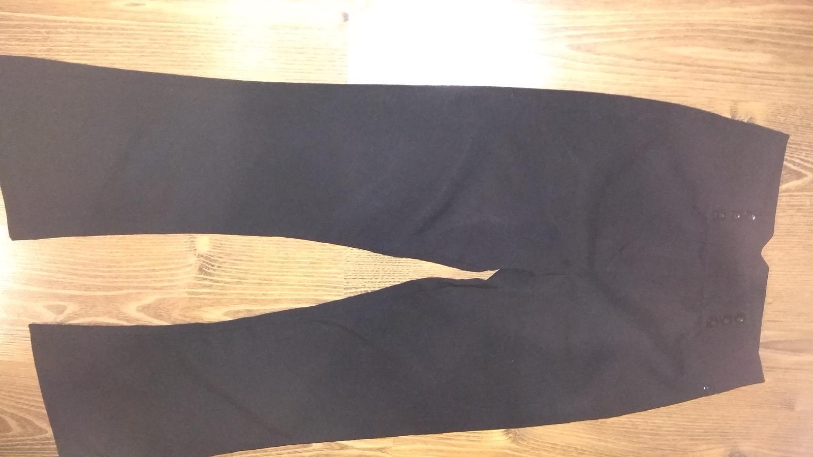 Čierne dievčenské kostýmové elegantné nohavice - Obrázok č. 2