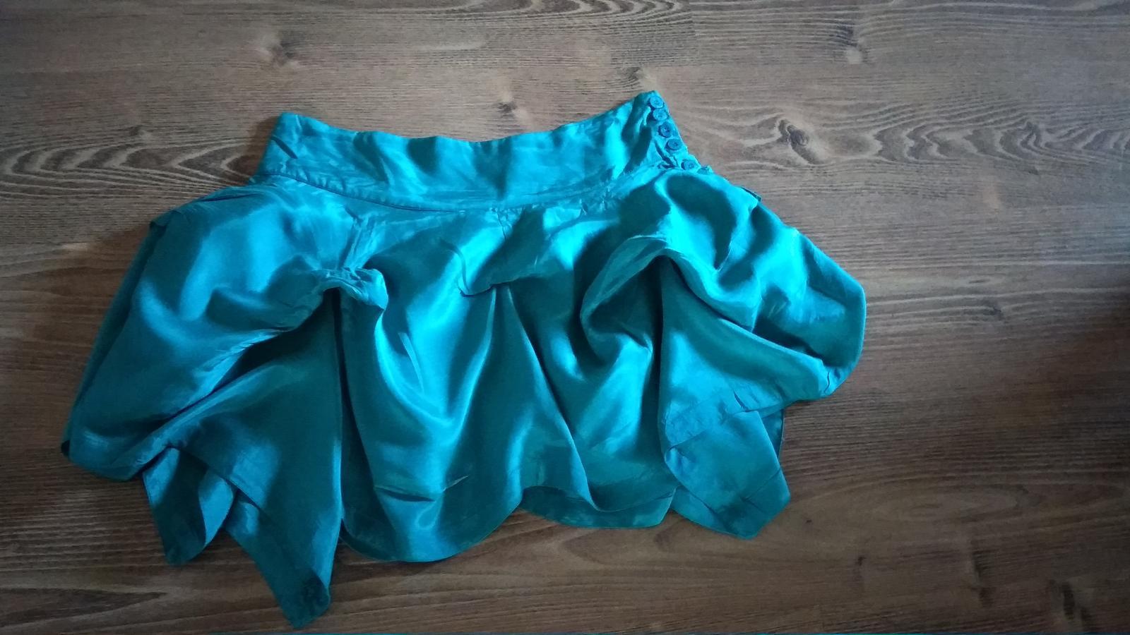 Moderná podšitá sukňa s vlnami S/M - Obrázok č. 2
