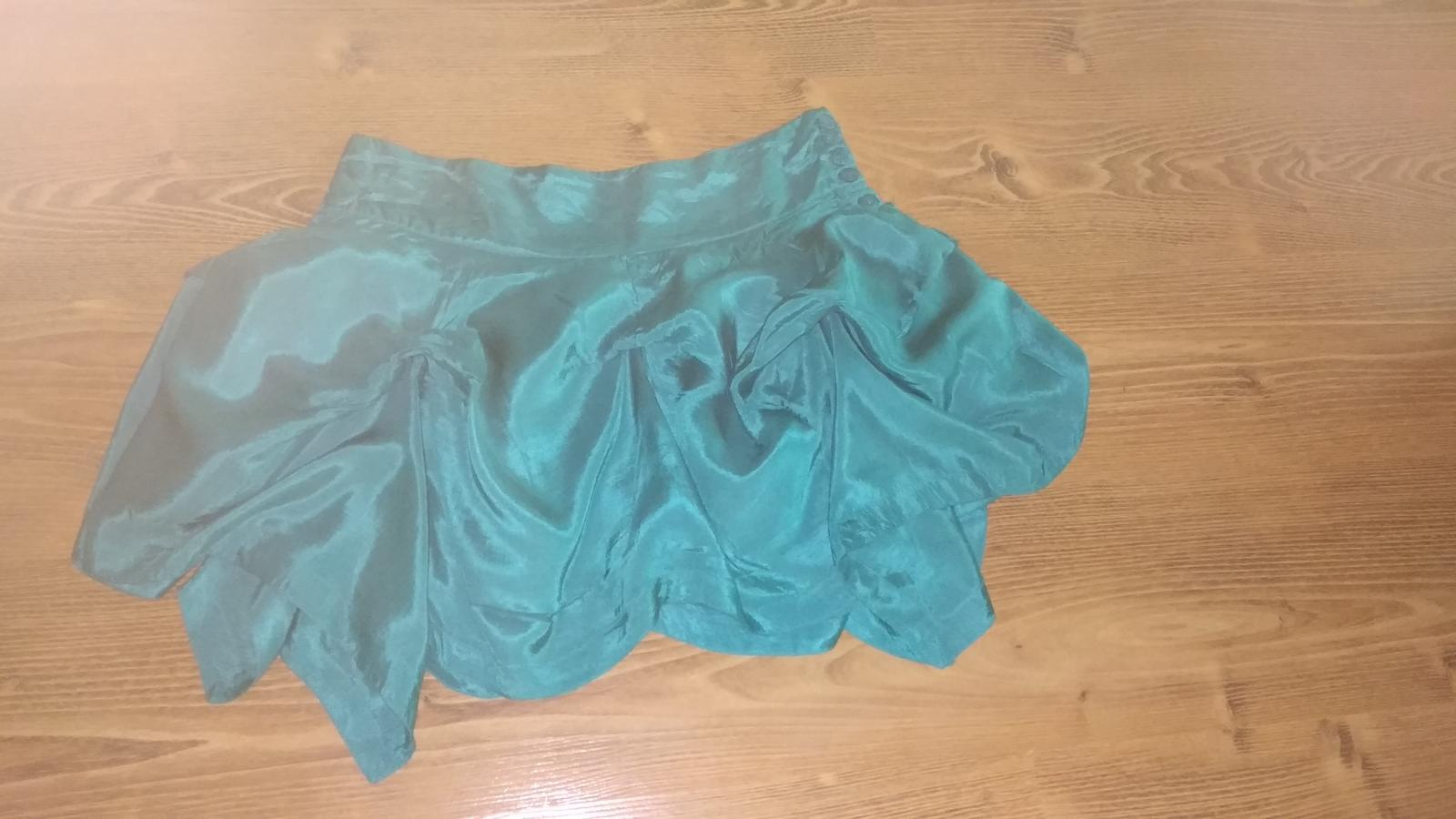 Moderná podšitá sukňa s vlnami S/M - Obrázok č. 1