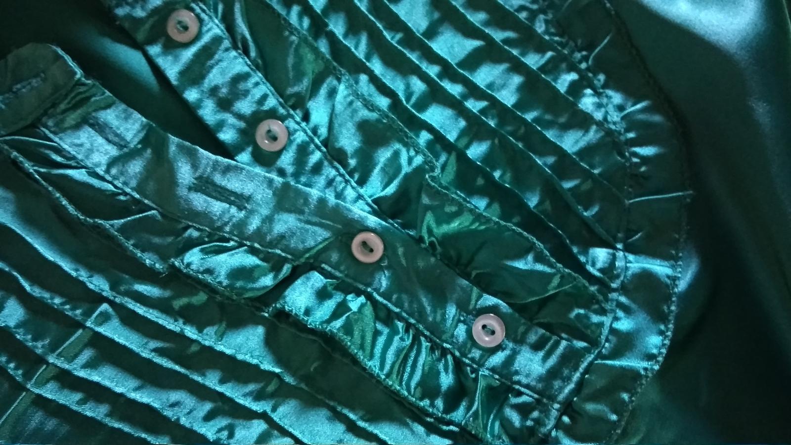 Zelená saténová blúzka 158-164 - Obrázok č. 3