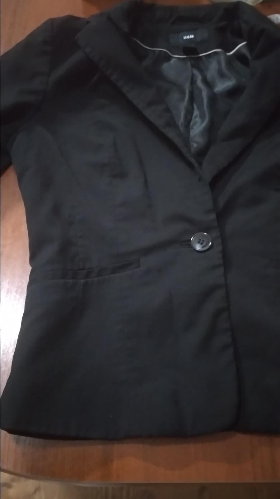 Čierne sako málinko nosené - Obrázok č. 1