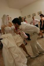 Ty moj nezbedník, ešte aj na svadbe...