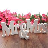 Mr. a Mrs.,