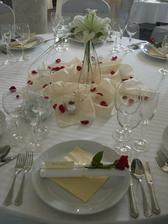 len ružová alebo biela ružička....