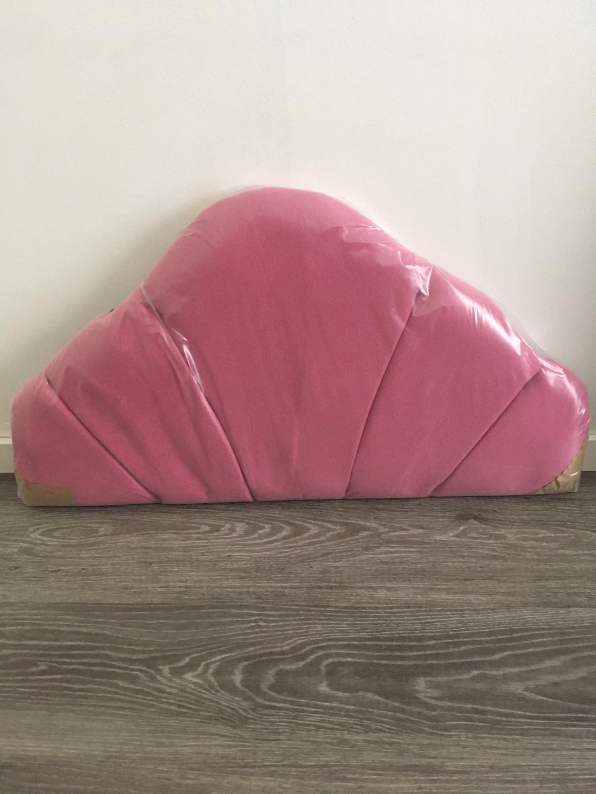 Čalúnené čelo na posteľ - Obrázok č. 1