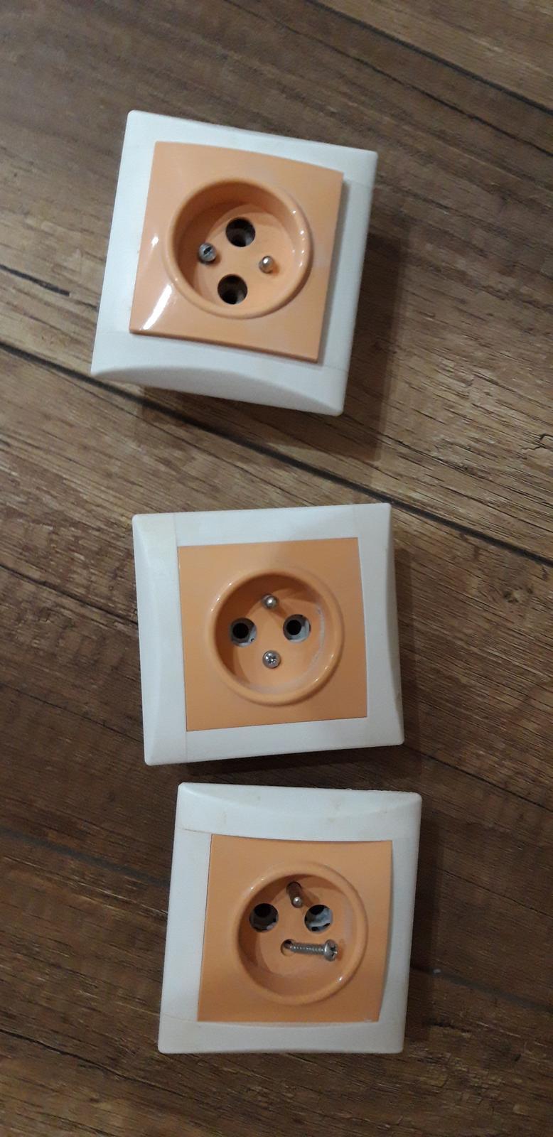 Jednozasuvka oranzova - Obrázok č. 1